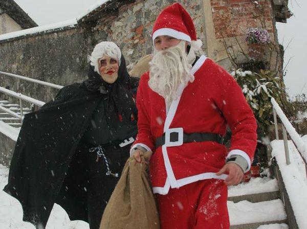 Babbo Natale E Befana.Ericenatale Concorso A Premi Per Babbo Natale E Befana Basta Presentarsi Domani In Piazza Loggia E